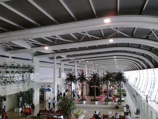 pengalaman aneh di airport mumbai (4)